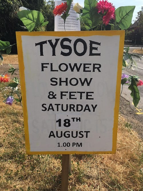 Playing at home in our lovely village of Tysoe. Looking forward to meeting lots of lovely local dogs and their hoomans.